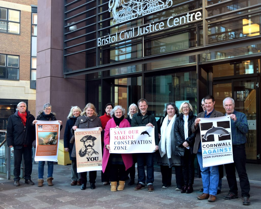 CADS supporters outside court following their second Judicial Review hearing on 20.1.2017.